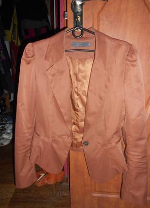 Карамельный пиджак