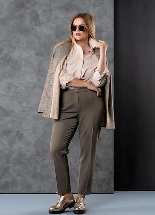 Отличный  брючный костюм тройка жакет брюки блуза клетка клеточка шерсть