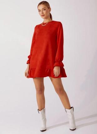Замшевое красное платье свободного кроя