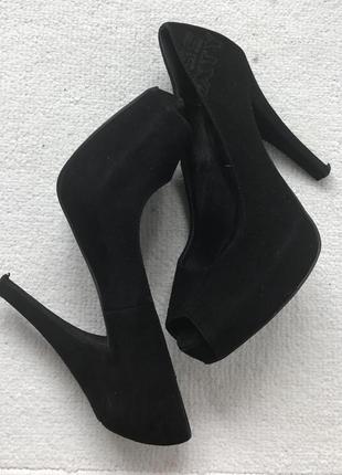 Замшевые туфли с открытым носком miss sixty