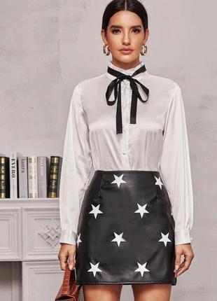 Кожаная юбка со звёздами