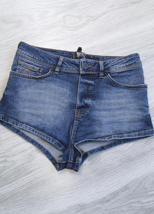 Стрейчевые синие джинсовые шорты с молнией сзади