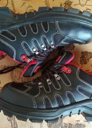 Ботинки туфли black hammer 40