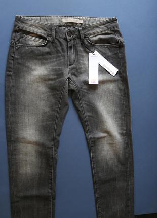 Нові джинси calvin klein сірого кольору, оригінал, з бірками з голограмами. київ