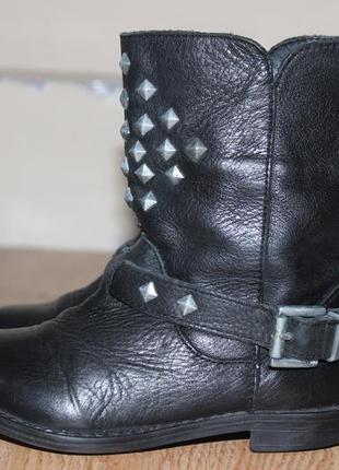 Кожаные ботинки полу сапоги с шыпами zara