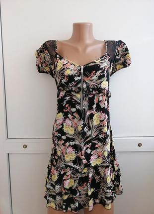 Платье чёрное цветочный принт