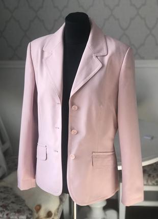 Женский жакет,пиджак