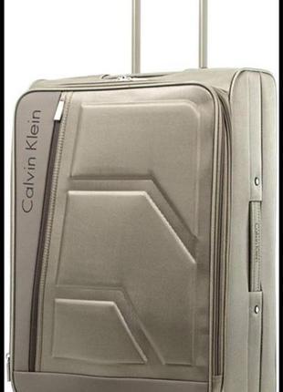 Шикарный дорожный чемодан от calvin klein