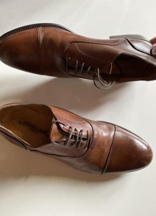Итальянские натуральные кожаные мужские туфли коричневые