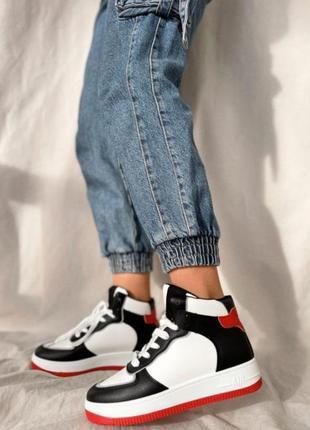 Женские модные кроссовки