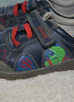 Кожаные фирменные кроссовки clarks