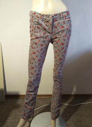 Серые вельветовые брюки джинсы next