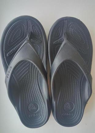 Вьетнамки шлепанцы черные crocs