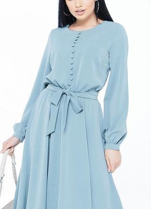 Женственное платье с расклешенной юбкой