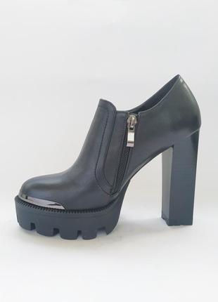 Туфли  новые   польша  размеры   36 и 37