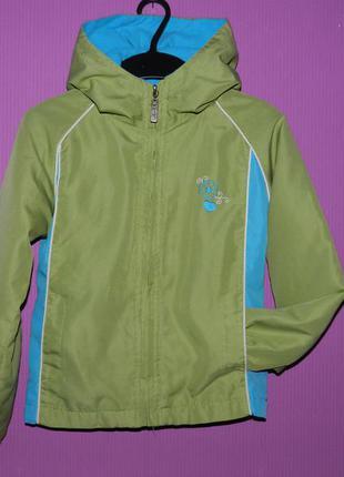 Классная легкая куртка на флисе 7-9 лет