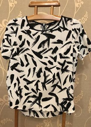 Очень красивая и стильная брендовая блузка 19.