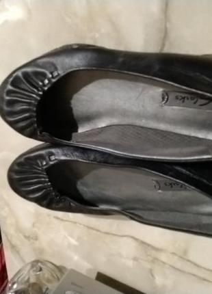 Туфли кожаные женские 38,5 clarks
