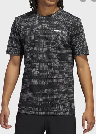 Новая котоновая футболка adidas