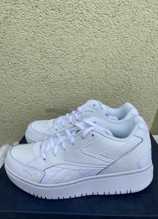 Стильні кросівки від reebok1 фото