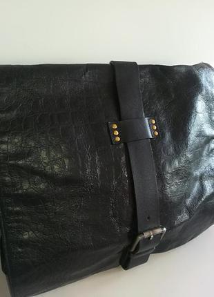 Очень большая кожаная сумка