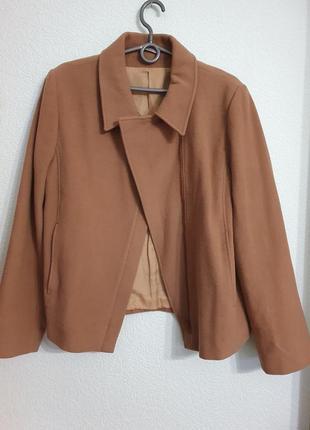 Стильное пальто лёгкое и теплое