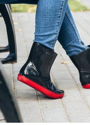 Резиновые сапоги алида черные на красной