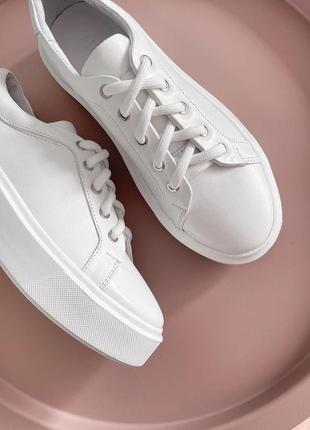 Качественные кожаные белые кеды