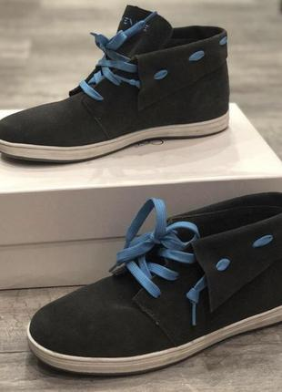 Серые кеды с голубыми шнурками  40