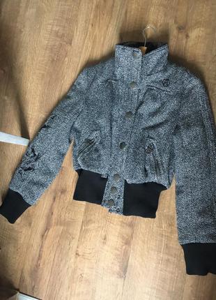 Zara пальтишко