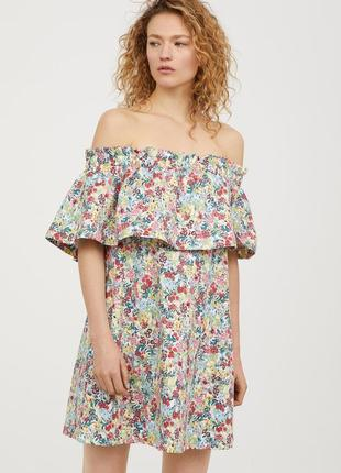 Платье из плотной ткани с открытыми плечами в цветочный принт h&m
