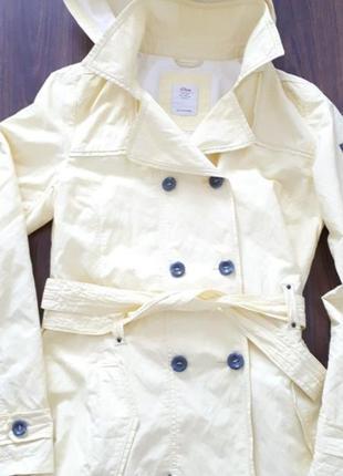 Ярко желтая  куртка  s.oliver