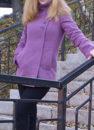 Сиреневое лиловое пальто р.42