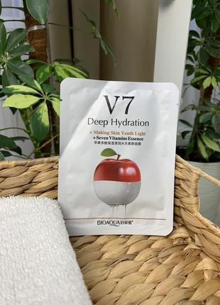 Новая тканевая  маска с экстрактом яблока bioaqua v7 toning youth mask seven vitamins