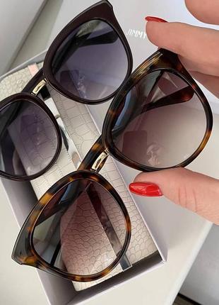 Сонцезахисні стильні жіночі брендові окуляри  бордові