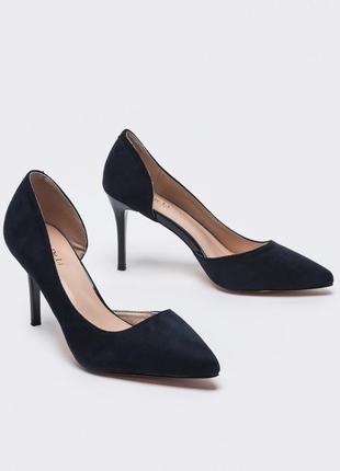 Изящные туфли  на тонком каблуке темно синие
