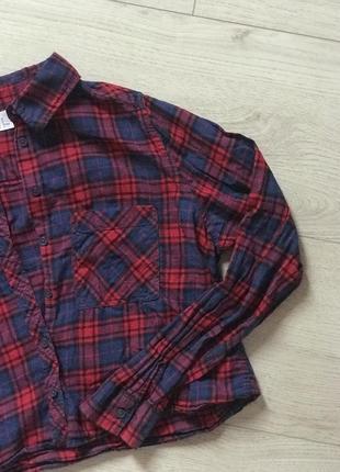 Красно-синяя укороченная рубашка в клетку