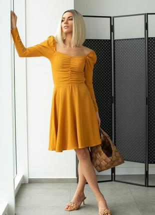Стильное платье на резинке с квадратным вырезом разные цвета