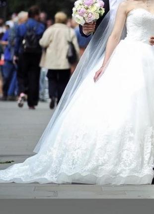 Дуже стильне весільне плаття