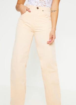 Трендовые джинсы штаны широкие прямого кроя персикового цвета