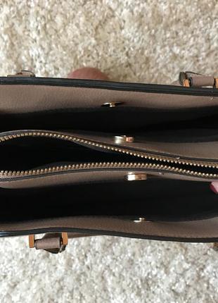 Гарненька сумочка