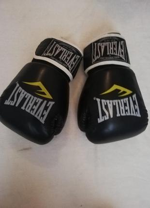 Кожаные боксерские перчатки 10 oz everlast