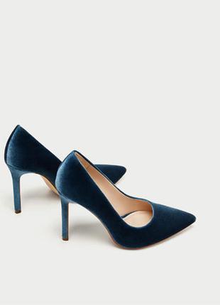Бархатные туфельки на каблуке от zara
