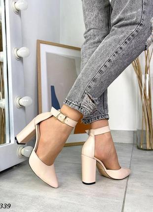 Кожаные туфли лодочки с ремешком. 35-40