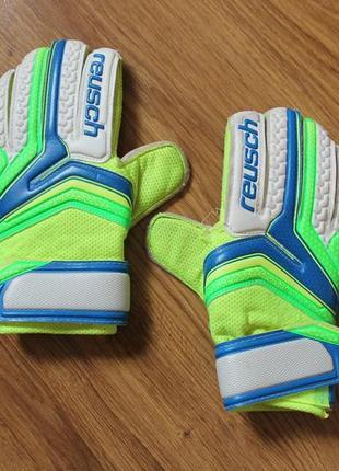 Вратарские перчатки подростковые футбольные reusch serathor easy fit jr размер 7