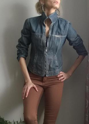 Gas брендовая джинсовая курточка с напылением