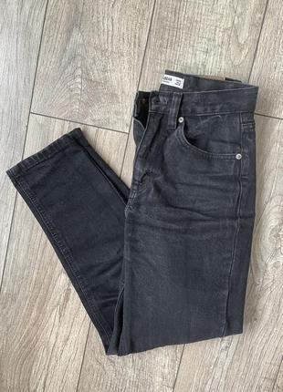 Чёрные джинсы мом mom pull&bear