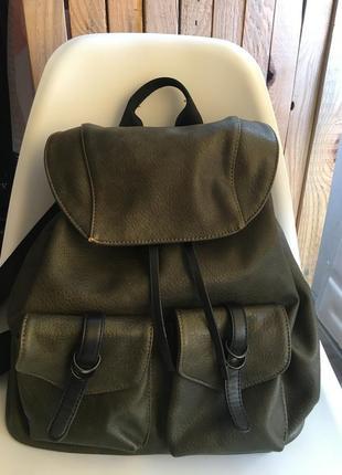 Рюкзак цвета хаки кожзам фирма bata