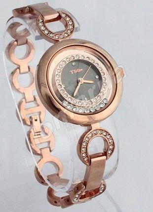 Часы с шикарным браслетом