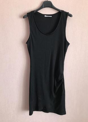 Mango. италия , чёрное облегающее платье